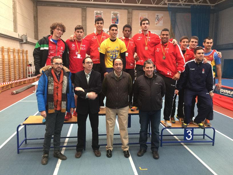 Tres Atletas del Club Atletismo Numantino con la selección española